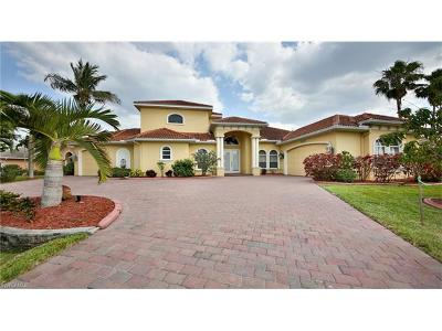 Cape Coral Single Family Home For Sale: 2234 Cape Coral Pky W