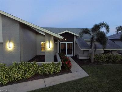 Cape Coral Single Family Home For Sale: 4617 SW 17th Pl