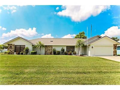 Cape Coral, Matlacha Single Family Home For Sale: 900 SW 6th Ave
