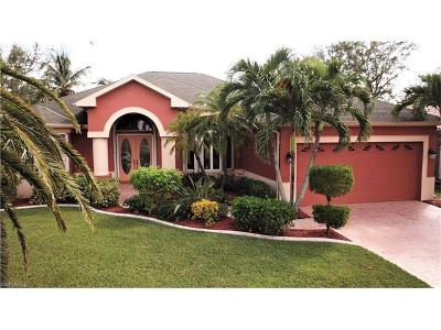 Cape Coral Single Family Home For Sale: 2116 SW 52nd Ln