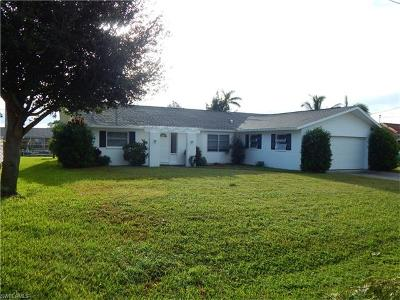 Cape Coral Single Family Home For Sale: 4945 Sorrento Ct