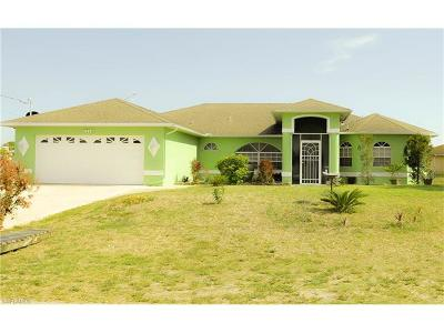 Lehigh Acres Single Family Home For Sale: 5545 Barth St