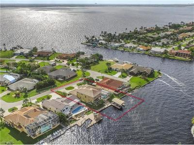 Cape Coral Single Family Home For Sale: 2728 SE 22nd Ave