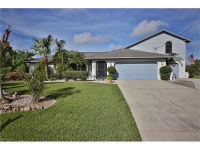 Cape Coral Single Family Home For Sale: 128 SE 8th Pl