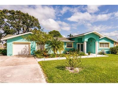 North Fort Myers Single Family Home For Sale: 474 Blue Lagoon Ln