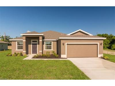 Cape Coral Single Family Home For Sale: 837 SW 29th St