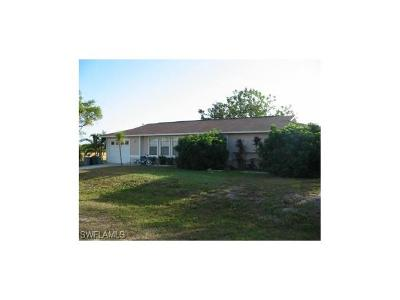Cape Coral Single Family Home For Sale: 2213 NE 14th Pl