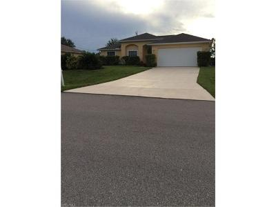 Cape Coral Single Family Home For Sale: 1622 SW 15th Pl