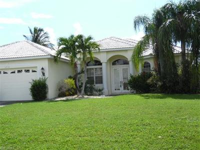 Cape Coral Single Family Home For Sale: 5210 SW 11th Ave
