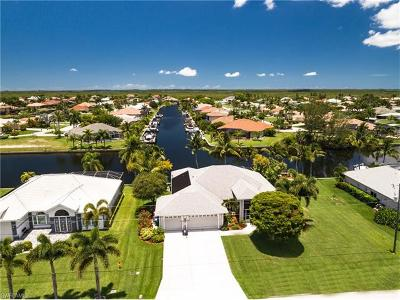 Cape Coral, Matlacha Single Family Home For Sale: 3804 SW 27th Ct