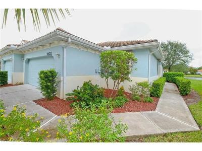 Fort Myers Condo/Townhouse For Sale: 10623 Camarelle Cir
