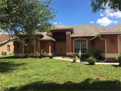 Cape Coral Single Family Home For Sale: 527 SE 18th Ave