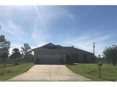 Lehigh Acres Single Family Home For Sale: 107 W 10th St