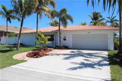Cape Coral Single Family Home For Sale: 2510 SE 28th St