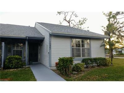 Lehigh Acres Condo/Townhouse For Sale: 10483 Beacon Square Cir