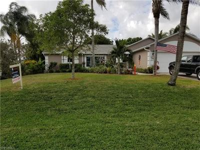 Cape Coral Single Family Home For Sale: 310 NE 18th Pl