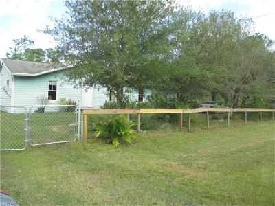 Lehigh Acres Single Family Home For Sale: 1100 W 10th St