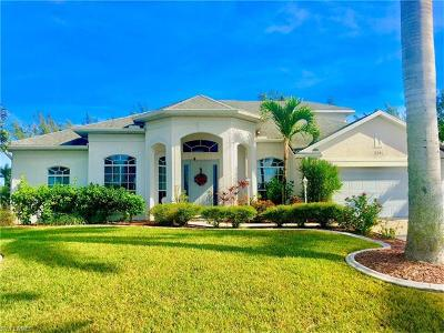 Cape Coral Single Family Home For Sale: 2301 SW 21st Ave