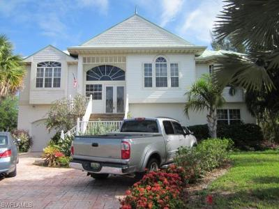 Fort Myers Single Family Home For Sale: 6081 Tidewater Island Cir