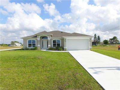 Cape Coral Single Family Home For Sale: 2727 NW 6th Ave