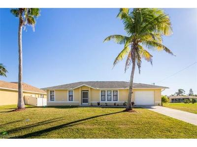Cape Coral Single Family Home For Sale: 3601 Surfside Blvd