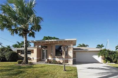 Cape Coral Single Family Home For Sale: 5322 Darby Ct