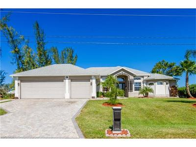 Cape Coral Single Family Home For Sale: 927 SW 24th St