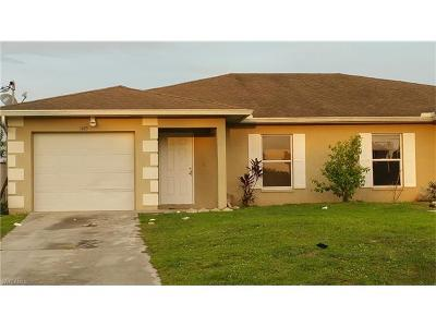 Lehigh Acres Multi Family Home For Sale: 1405 Hightower Ave S