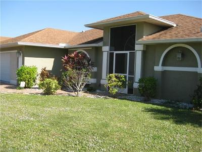 Cape Coral Single Family Home For Sale: 803 SW 32nd Ct