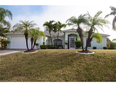 Cape Coral Single Family Home For Sale: 27 NE 10th Ave