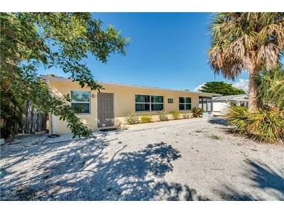 Fort Myers Beach Single Family Home For Sale: 155 Hibiscus Dr