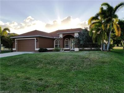 Cape Coral Single Family Home For Sale: 3422 SW 15th Pl