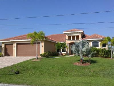 Cape Coral Single Family Home For Sale: 3012 SE 19th Pl