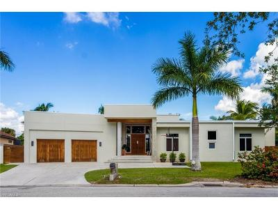 Fort Myers Single Family Home For Sale: 1051 Wyomi Dr