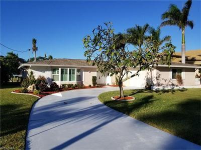 Cape Coral Single Family Home For Sale: 5218 Seminole Ct