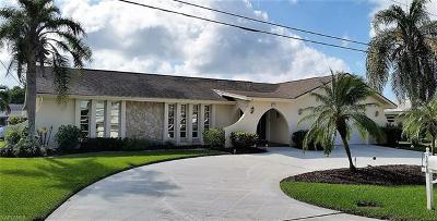 Cape Coral Single Family Home For Sale: 128 SW 54th Ter