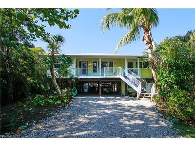 Sanibel Single Family Home For Sale: 749 Cardium St