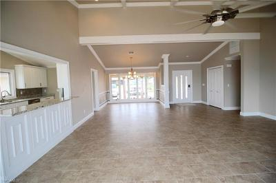 Cape Coral Single Family Home For Sale: 2811 SE 22nd Pl