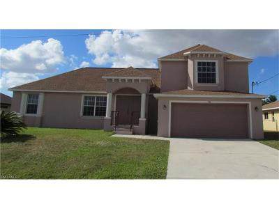 Cape Coral Single Family Home For Sale: 706 SE 8th Pl