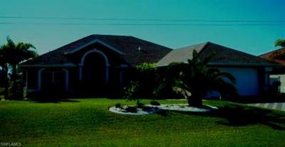 Cape Coral Single Family Home For Sale: 3802 SW 1st St