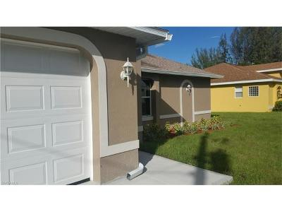 Cape Coral Single Family Home For Sale: 133 SE 16th St