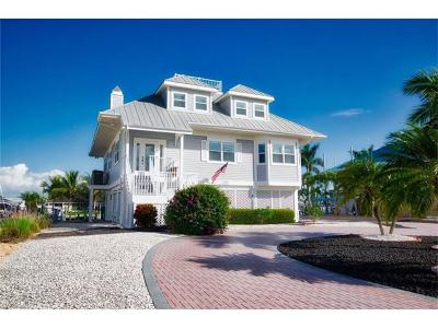 Fort Myers Beach Single Family Home For Sale: 18323 Deep Passage Ln