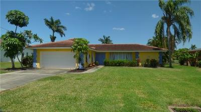 Cape Coral Single Family Home For Sale: 5315 Del Monte Ct