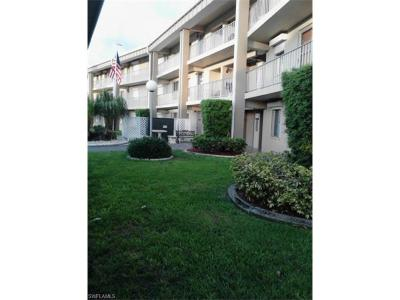 Fort Myers Condo/Townhouse For Sale: 2244 Winkler Ave #108