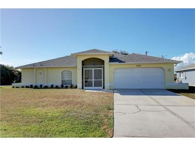 Cape Coral Single Family Home For Sale: 2934 SE 8th Pl