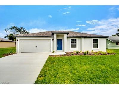 Cape Coral Single Family Home For Sale: 707 SW Trafalgar Pky
