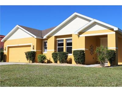 Lehigh Acres Single Family Home For Sale: 18251 Pine Nut Ct