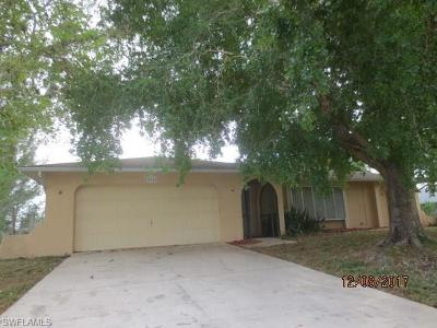 Cape Coral Single Family Home For Sale: 416 SW 20th St