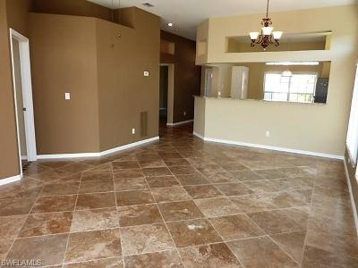 Fort Myers Condo/Townhouse For Sale: 12833 Devonshire Lakes Cir