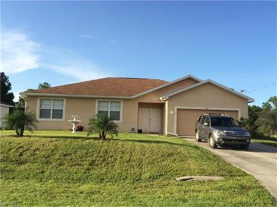 Lehigh Acres Single Family Home For Sale: 749 Central St E